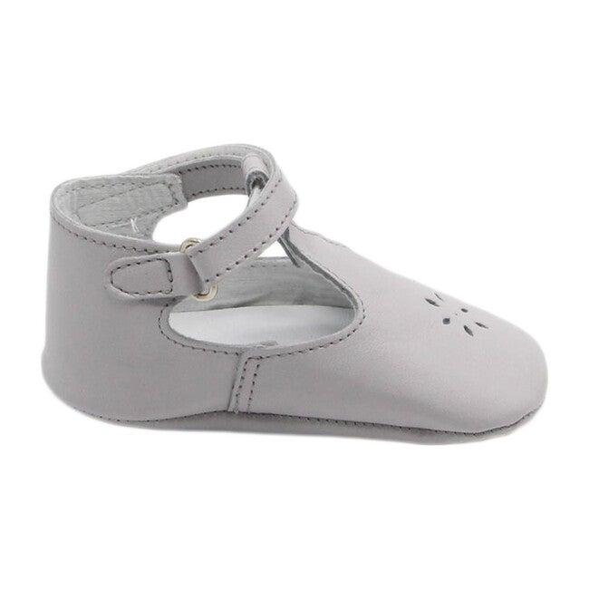 Eden Salome, Grey