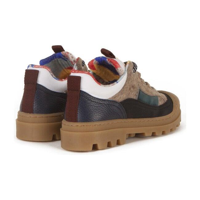 Ficus Shoes, Bill