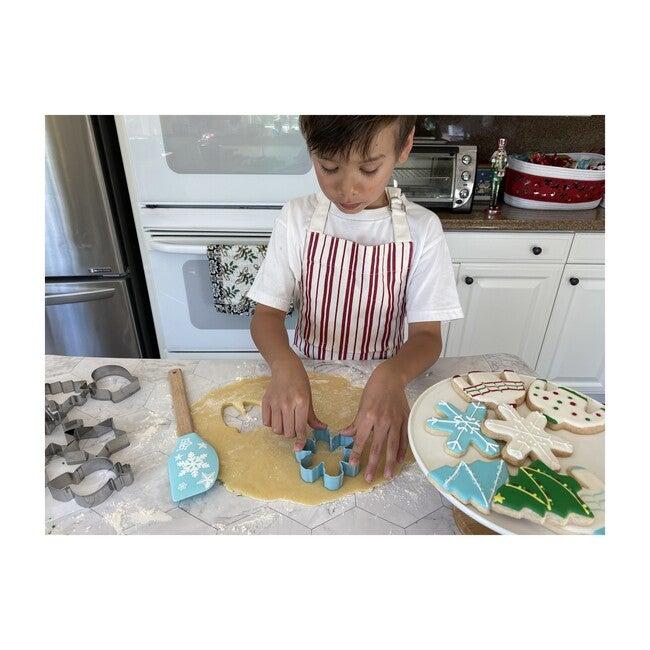 Winter Wonderland Snowflake Cookie Cutter Set with Spatula