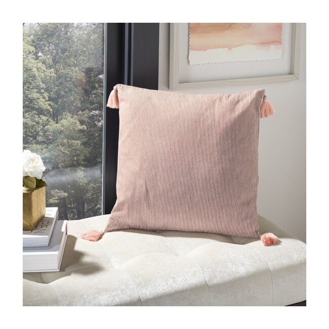 Sidney Pillow, Rusty Red