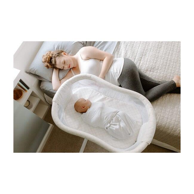 HALO® Bassinest® Swivel Sleeper Essentia Series, Nautical Net