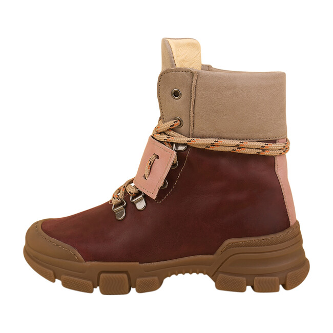 Uggly Boot, Rouge