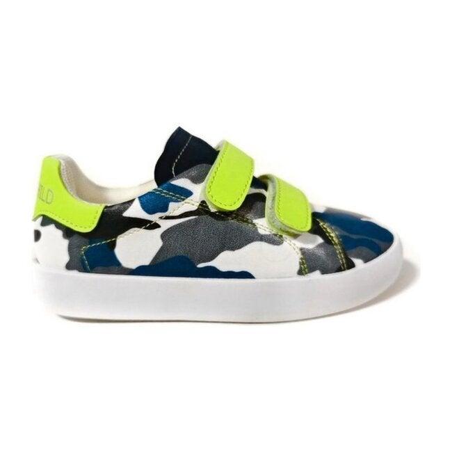 Jake Sneaker, Camo