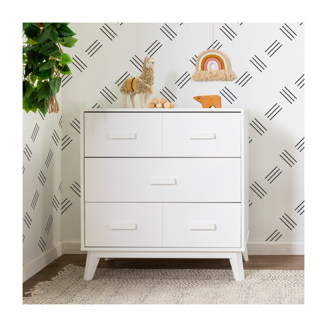 Scoot 3-Drawer Changer Dresser with Removable Changing Tray, White
