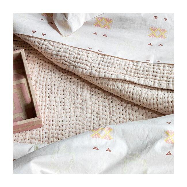 Quilt Blanket, Blush Linen Kantha