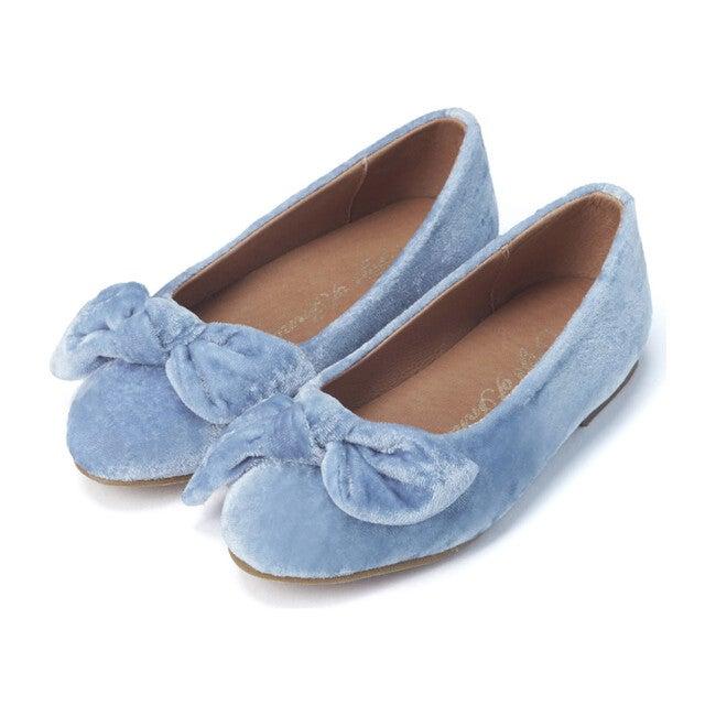 Poppy Flats, Blue
