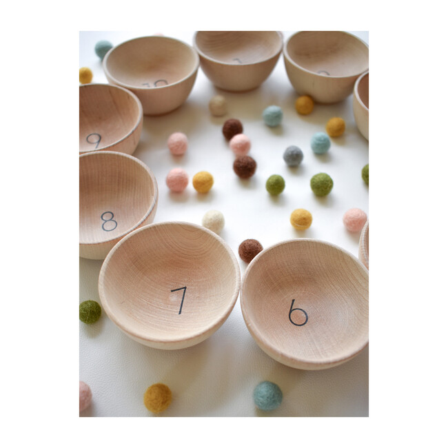 Counting & Sorting Cups