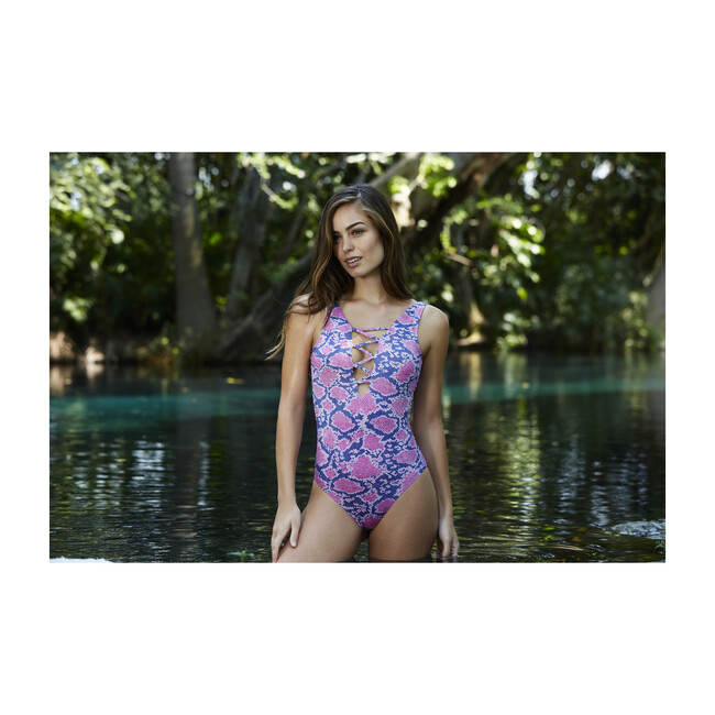 Mia One Piece, Pink and Blue
