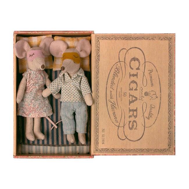 Mum + Dad Mice in Cigar Box