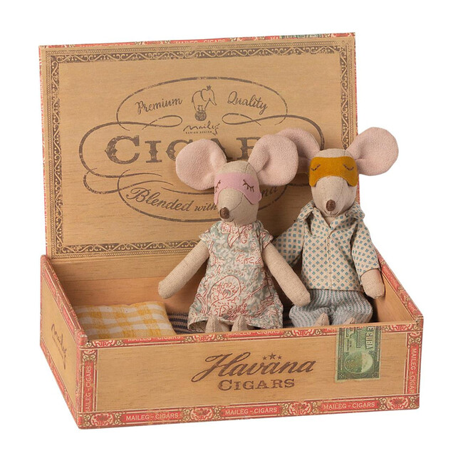 Mum + Dad Mice in Cigar Box