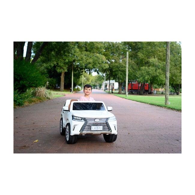 Lexus LX-570, White