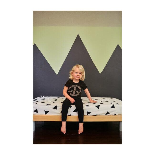Organic Triangle Crib Sheet, Night Black