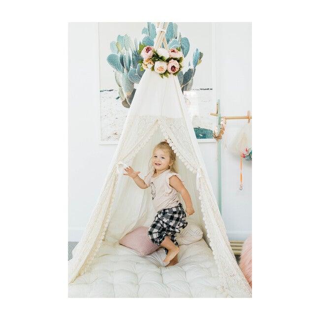 Eleanor Play Tent, Cream/Lace