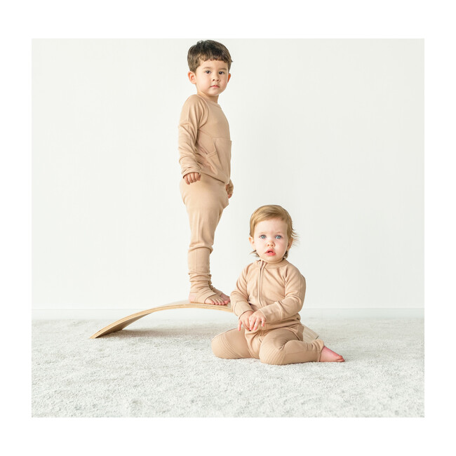 Loungewear, Sandstone