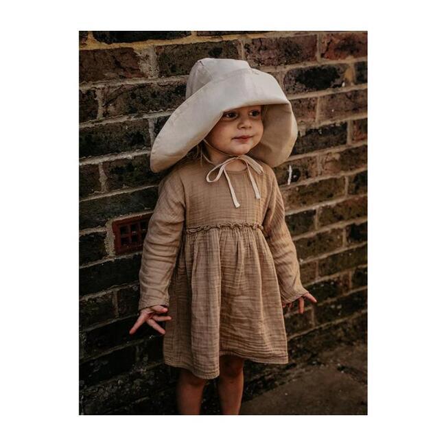 The Sun Hat, Oatmeal
