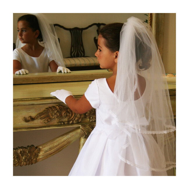 Gathered Veil with Delicate Lace Trim, White