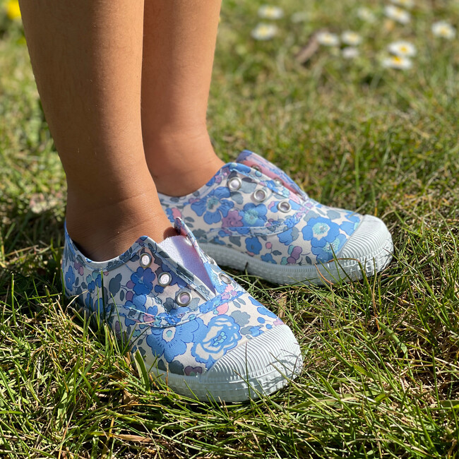 Hampton Canvas Liberty Plum Sneaker, Blue Betsy