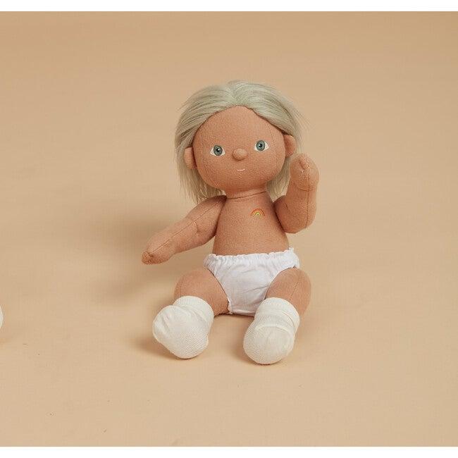 Dream Dinkum Doll, Cricket