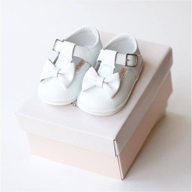 Minnie Bow Leather Mary Jane, White