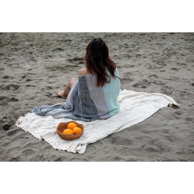 Vena Throw Blanket, Mint/Grey