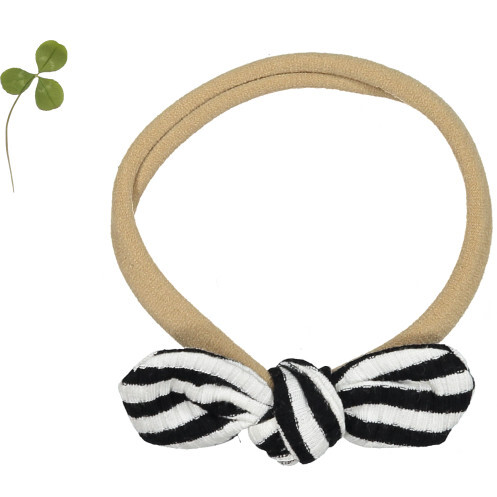 The Ribbed Bow, Stripe