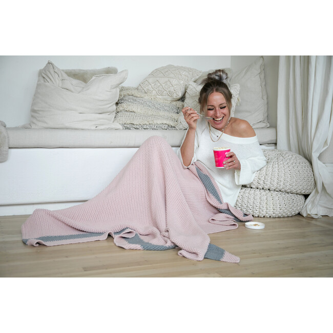 Marici Throw Blanket, Pink/Grey