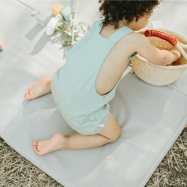 Vegan Leather Padded Everywhere Playmat, Pebble