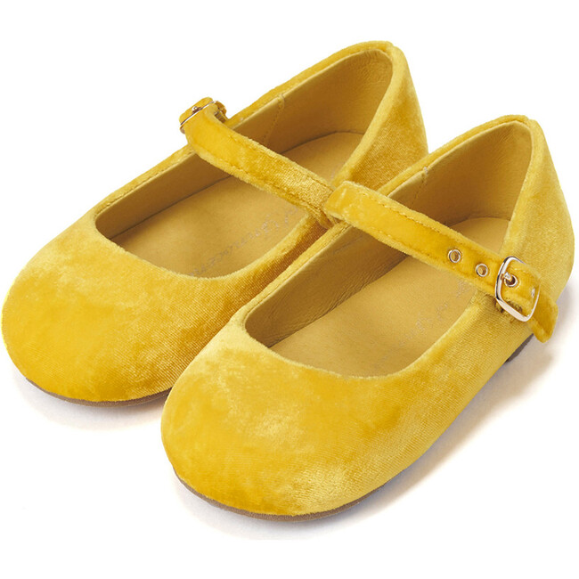 Eva Mary Janes, Yellow