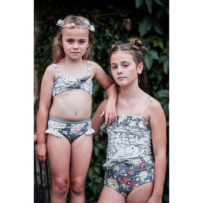 Tank Top Bikini, Tabby