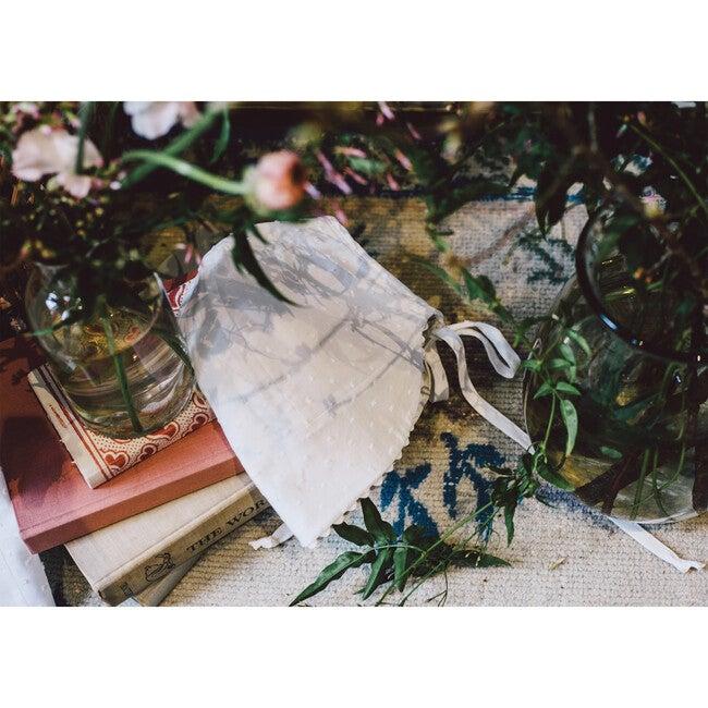 Rachel Bonnet, Bluebell & White