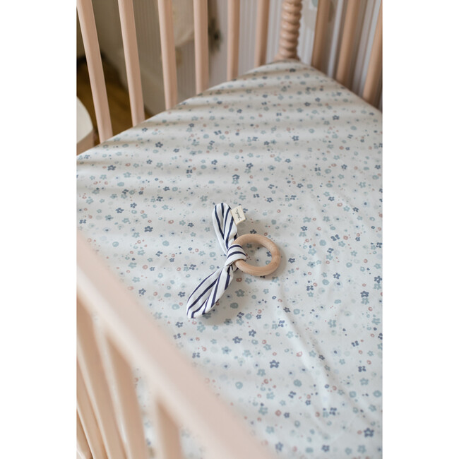 Bluebells Crib Sheet, Blue Floral